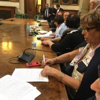 Firmato il CCNI sulla mobilità insieme alla pre intesa sull'assegnazione di sede ai docenti titolari su ambito